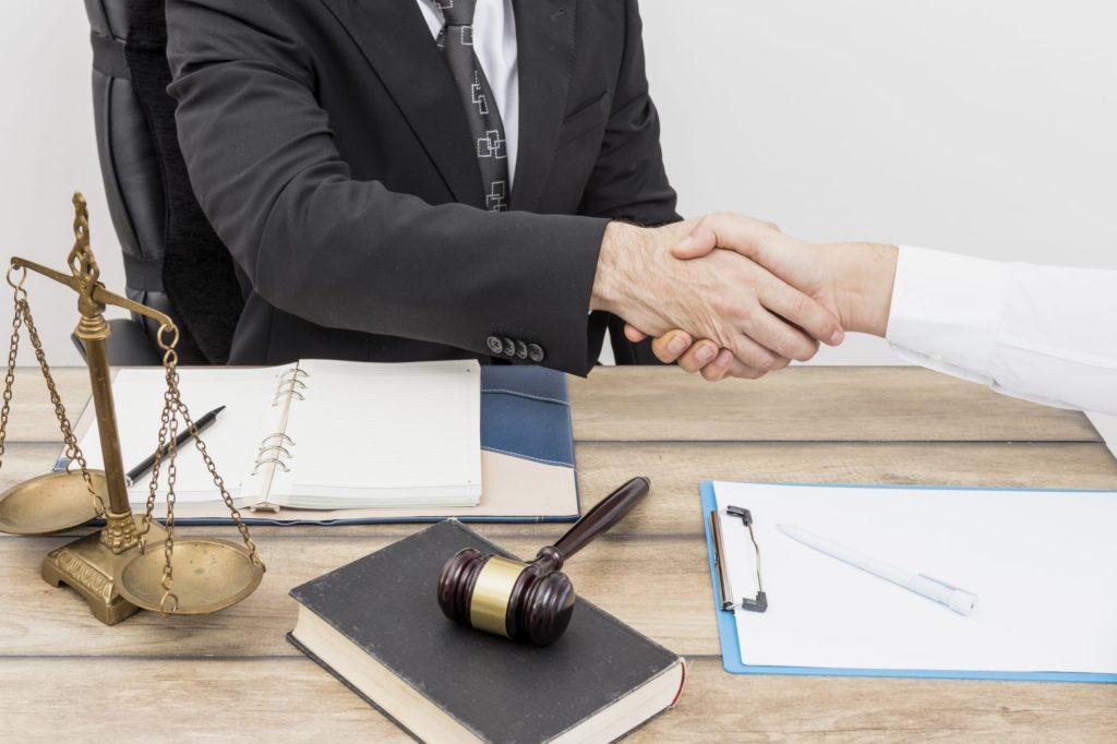 сколько стоит кредитный адвокат