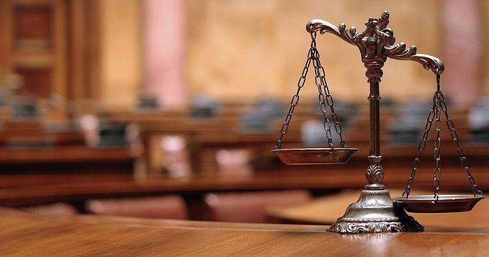 Подать иск в суд на рекламное агентство
